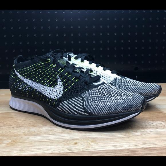 huge discount 9f4d5 03cdb Nike Flyknit Racer Oreo Volt Men s 7   Women s 8.5